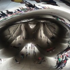 Cloud Gate, better know as the bean in Chicago, Chicago Weekend, What to do in Chicago, Chicago Travel tips, Chicago Blog, Travel Blogger, Travel Blog, USA Travel, Chicago Food, Chicago Drink, What to eat in Chicago, Chicago for a weekend, Expat life, Brits in the USA